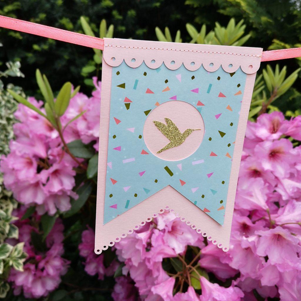 Mit unserem Freebie des Monats Juni können Sie ihre Gartenparty ausstatten! Die Designs sind universell einsetzbar.