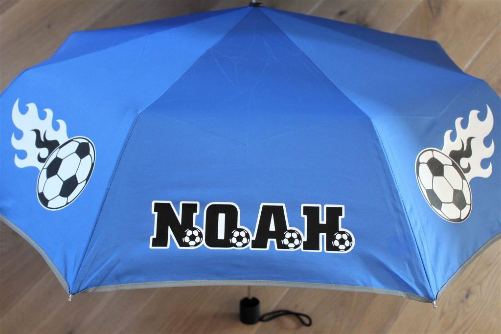 Regenschirm beplotten - fertig