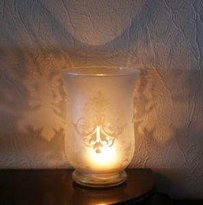 Romantische Lichteffekte mit dem geätzten Windlicht