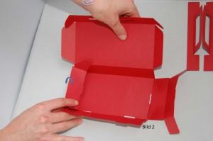 Zusammenbau der linken Seitenwand des Koffers
