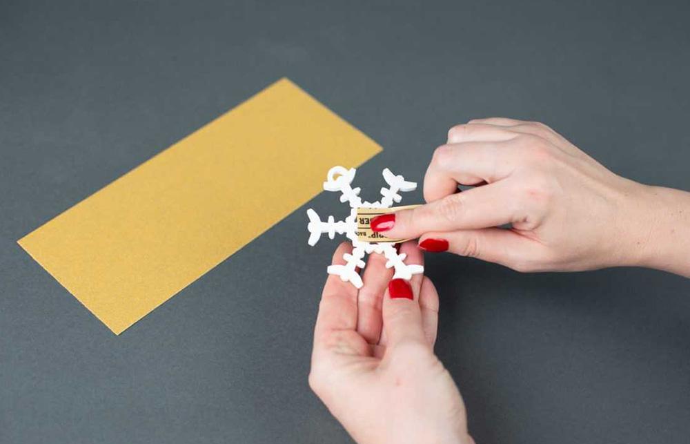 Vorbereitung der Nachbearbeitung – Ihren 3D Ausdruck können Sie auch mit etwas Schleifpapier bearbeiten, somit wird dieser noch glatter.
