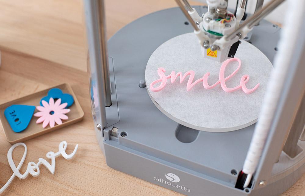 Besonders Anwendungsfreundlich und günstig dazu! – Der Silhouette Alta Plus ist bestens für Anfänger geeignet. Entdecken Sie die Welt des 3D Druckens.
