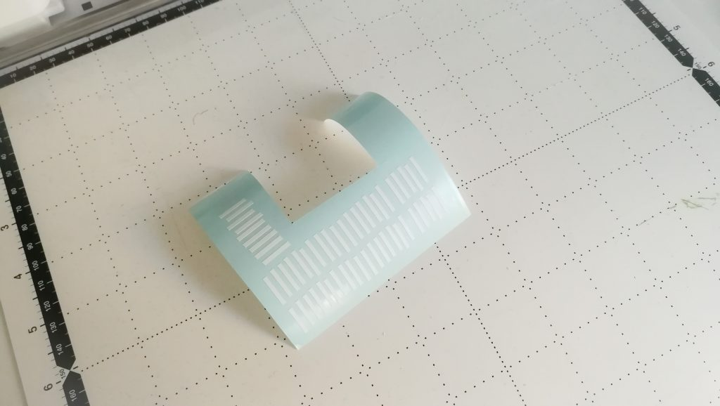 Balken für die Zentimeter-Abstände entgittert