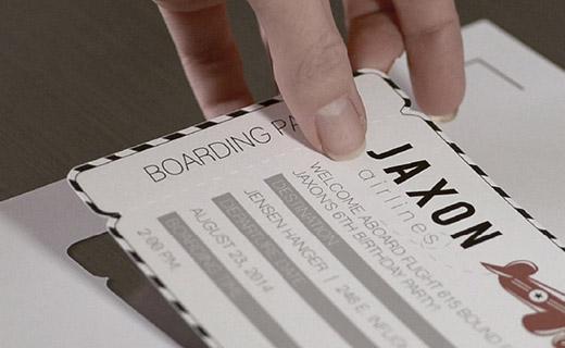 Mit der Print und Cut Technologie schneidet die SILHOUETTE CAMEO 3 gedruckte Vorlagen exakt aus