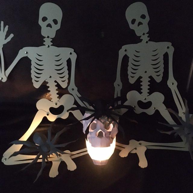 Halloween-Dekoration im Dunklen
