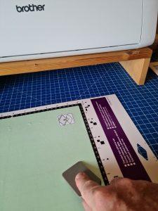 Folie fuer Stoffschnitte um mit ScanNCut die Grillschürze plotten zu können