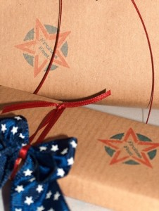 Farblich passendes Geschenkpapier selber machen mit der Silhouette Mint