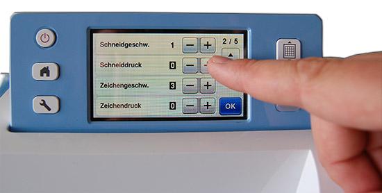 SNC_touchscreen_550