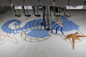Seepferd in Arbeit zur Herstellung maritimer Applikationen