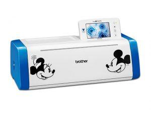 Niedliches Design, tolle Funktionen und voll gepackt mit zusätzlichen Disney Motiven zum ausplotten!