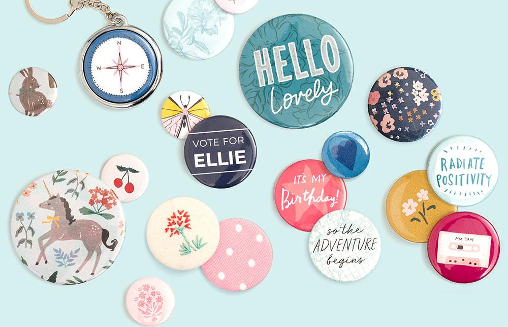 Die Buttons können in verschiedenen Größen erstellt werden und für unterschiedliche Kreative Projekte weiterverarbeitet werden. Wie Beispielsweise als Anhänger oder Dekorationen für Scrapbooking.
