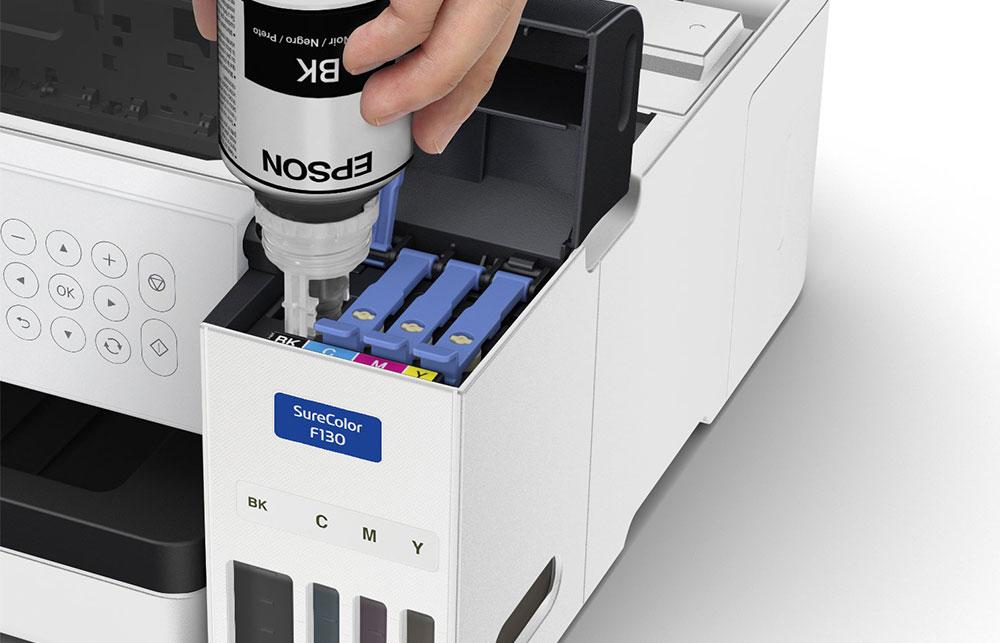 Der Sublimationsdrucker SureColor SC-F100 ist günstig in der Anschaffung, sehr Effizient!