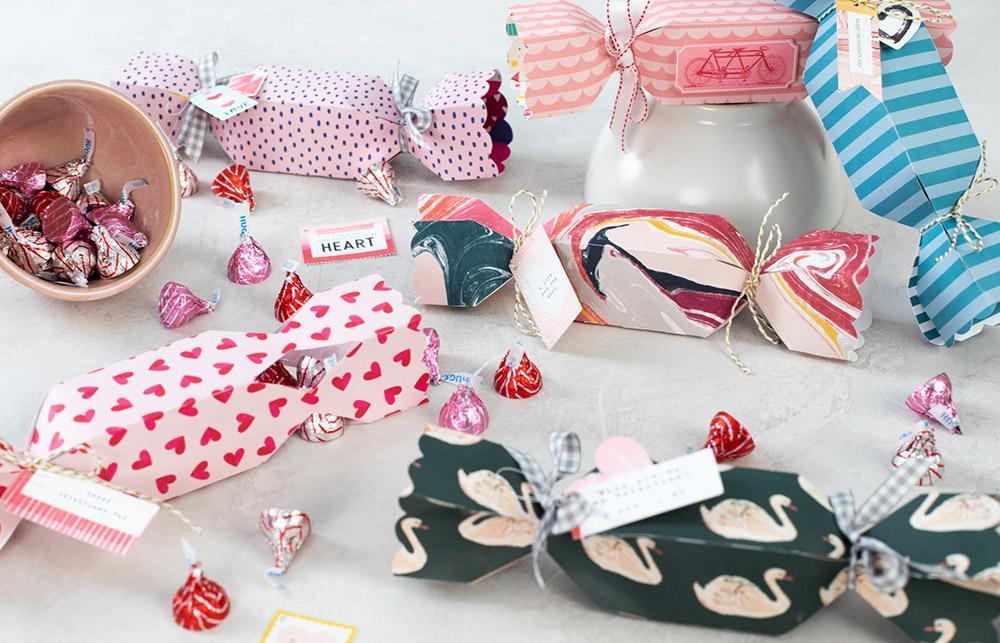 Ob Muster oder schlicht – Verschiedenes Papier & Papiersorten können auch für 3D Verpackungen und Modelle verwendet werden.