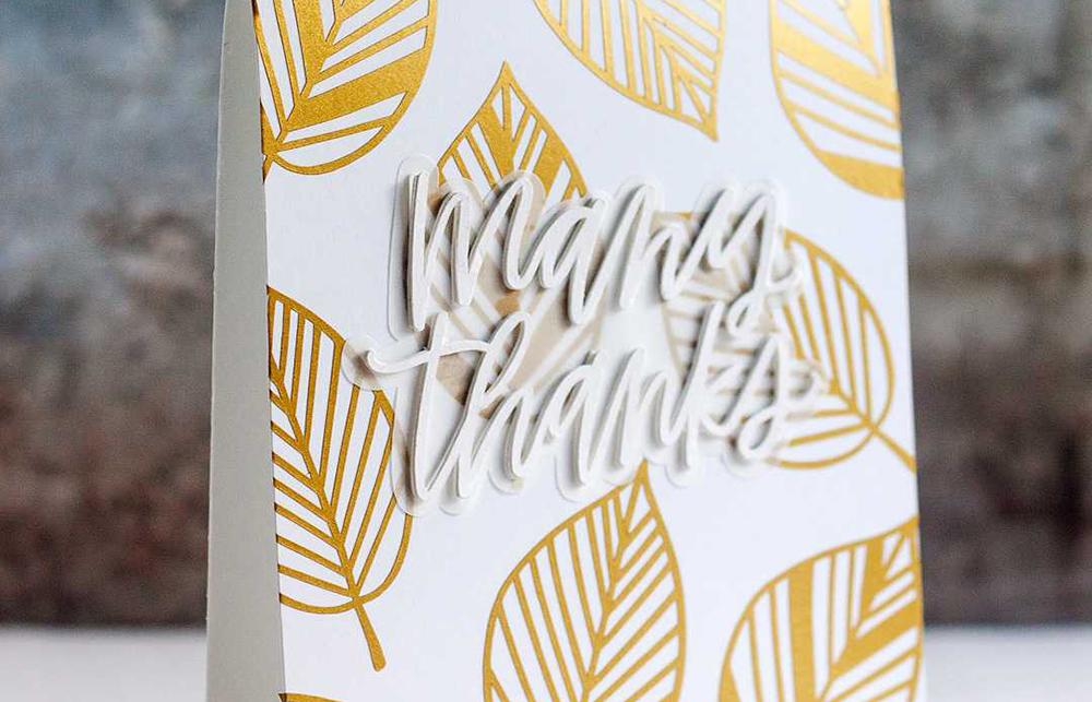 Mithilfe von Vinylfolie können Sie Aufkleber selber machen – verschönern Sie beispielsweise Ihre Grußkarten oder erstellen Sie ein großes Wandtattoo.