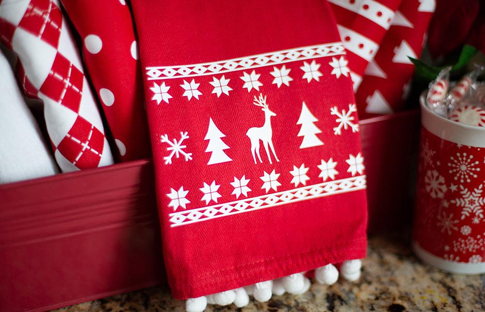Egal ob Winter oder Sommer, verschönern Sie Ihre Textilien mit eigenen Mustern & Ideen. Ihr Plotter hilft Ihnen dabei diese beispielsweise auszuschneiden.