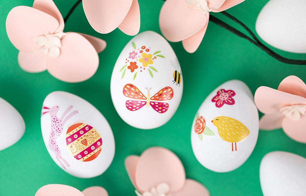 Eigene Designs können einfach in bunten Farben auf Tattoo Papier gedruckt werden – lassen Sie echte Hingucker für Ihre Oster Dekoration entstehen.