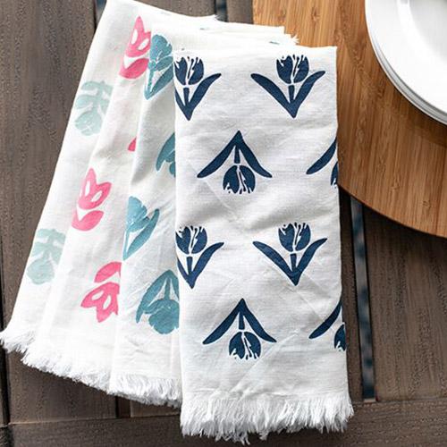 Bunte Akzente und tolle Details. Verwenden Sie Ihre Schablonen auch für mehrere Textilien.